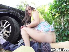 Slutty teen hitchhiker sucks and fucks her ride