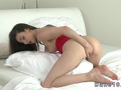 Beautiful brunette babe masturbating solo